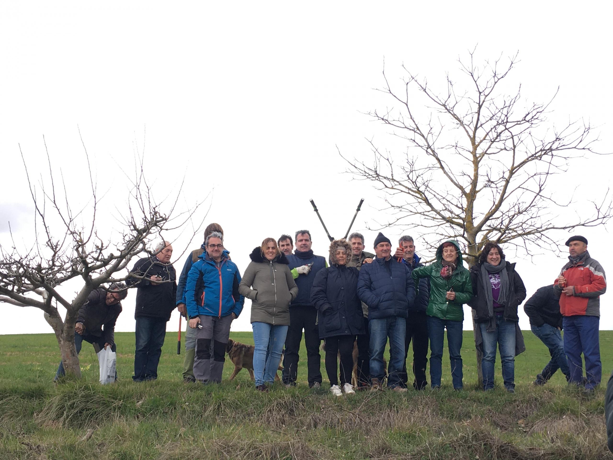Participantes curso de poda de Busto de Bureba Huerteco Burgos